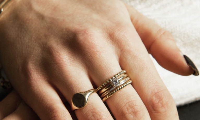 Blush mix and match, de sieraden van Blush zijn leverbaar in diverse kleuren goud en met zirkonia en diamant