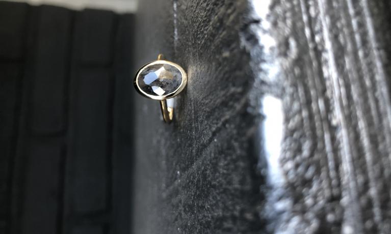 Nieuw uit eigen atelier, bijzondere antiek geslepen diamant.