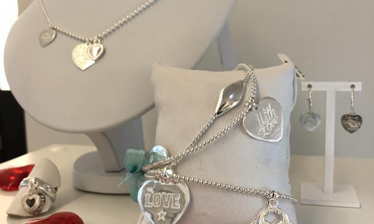 Van wie zou jij deze Joy Jewellery Bali sieraden willen krijgen voor de valentijn?