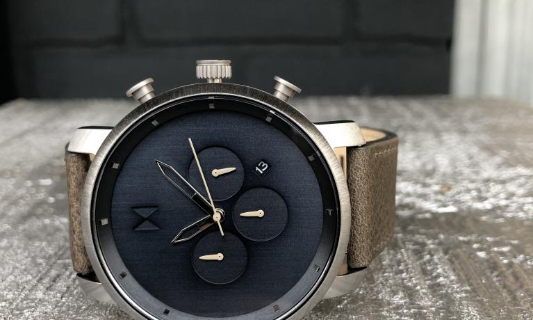 MVMT horloge €135,-.