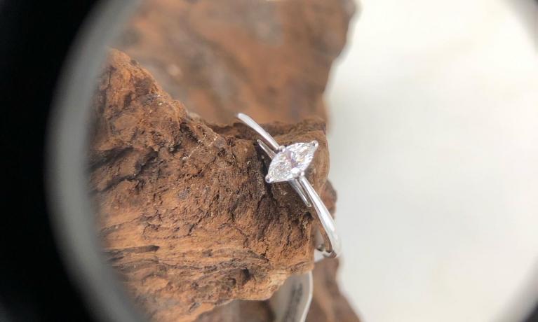 Grote collectie ringen met diamant.