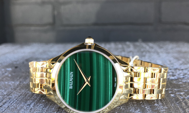 Nieuw binnen. Pierre Balmain horloge met edelstenen (malachiet) wijzerplaat. Echt een bijzonder horloge.