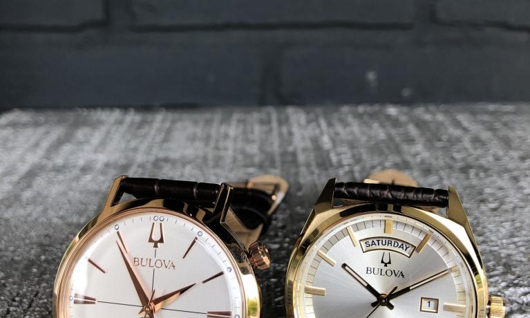 Bulova is een horloge merk met veel historie. Ze maken horloges met een hoge kwaliteit uurwerken erin en dat voor een hele goede prijs. Bulova is een van de weinige horloge merken die drie jaar garantie geeft op zijn horloges. www.juweliernottet.nl/merken