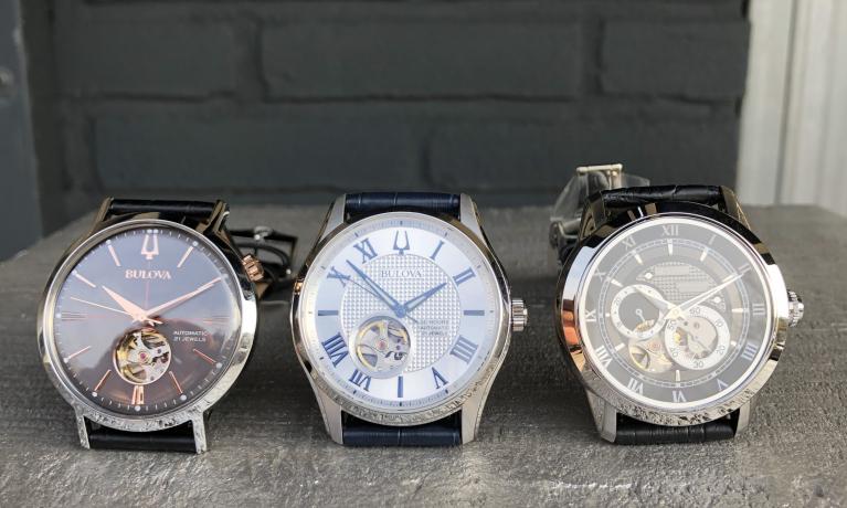Nieuwe collectie Bulova horloges. Automaten dus geheel mechanisch en zonder batterij. Drie jaar garantie dat is een jaar langer dan bijna elk ander horloge merk. Van links naar rechts €279,-   €379,- en €349,-.