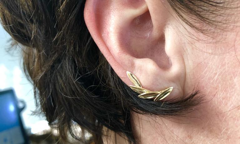 Gouden oorbellen €159,-